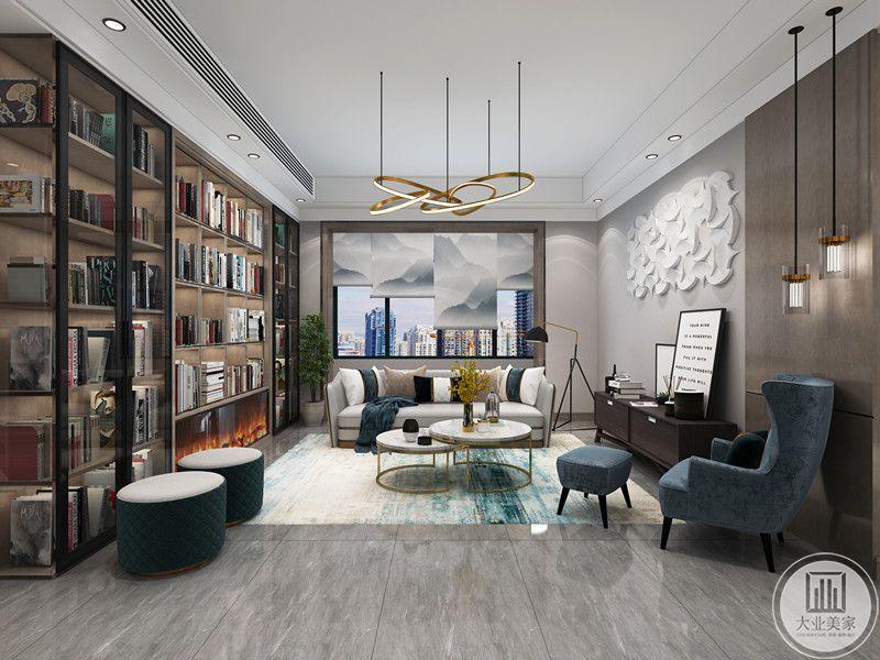 户主一家爱好阅读,因而拥有大量藏书,因而设计师利用会客厅的背景墙,做了透明式书柜,让其藏书有足够的收纳空间,大量书籍不仅没话了会客厅的整体氛围,还提升了户主的品味,让其访客及家人可以在此处阅读、品茗,亦比书房更为放松。