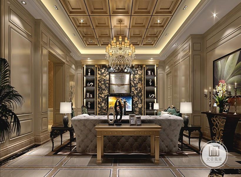 客厅大气的欧式古典风,以白金色为主的色彩搭配,一开始就奠定了整个装修的低奢感,而且吊灯的设计和顶面的造型搭配,增加了厚重感,不会显得浮夸而单调