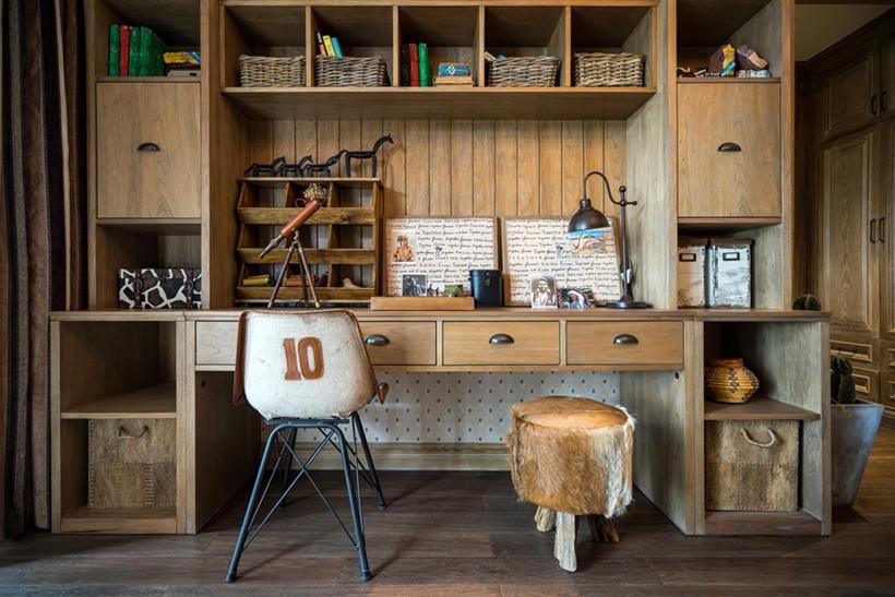 书房摈弃浮华的线条和装饰,还原材质的本来美感,优美简洁的线条,简洁实用的家具,营造舒适又充满灵感的生活空间。