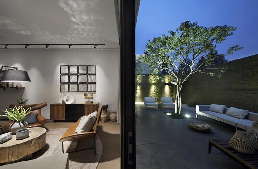 室外光影与室内灯光的柔和,恰似一副生动的画卷妙趣横生,娓娓道来之中展现设计者的奇思妙想。