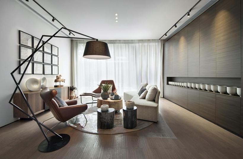 休息区一盏极具艺术气息的落地灯增加了整个空间的艺术氛围,使得空间简约而不单调